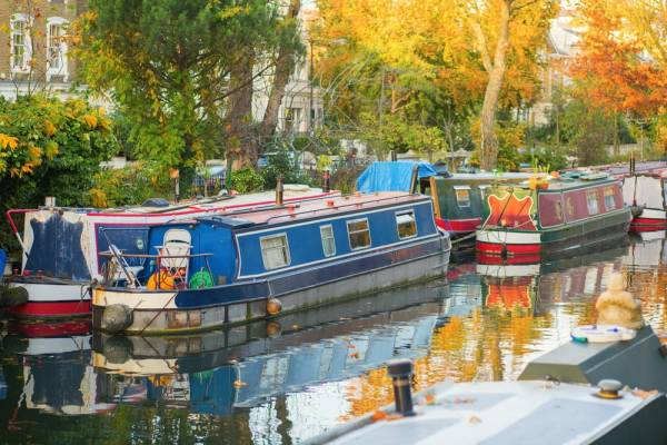 6 Vital Things to Know Before Buying a Used Houseboat