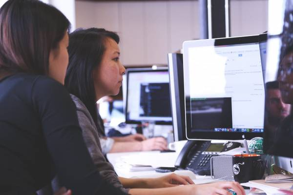 How Much Does It Cost to Hire a Developer? Men vs Women Salary Comparison