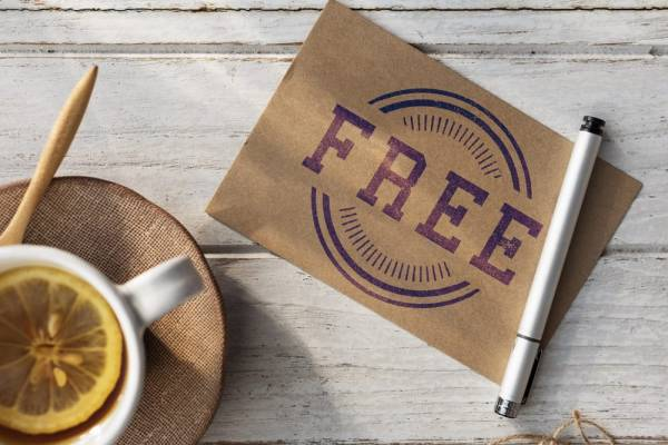 How to Use Discounts and Freebies to Attract and Retain Customers