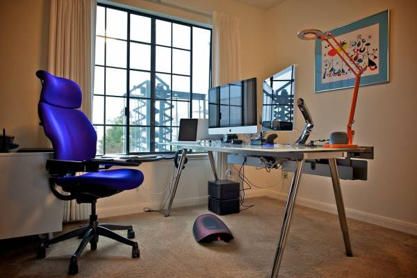 Basic Tech Equipment Everyone Working From Home Needs In 2021